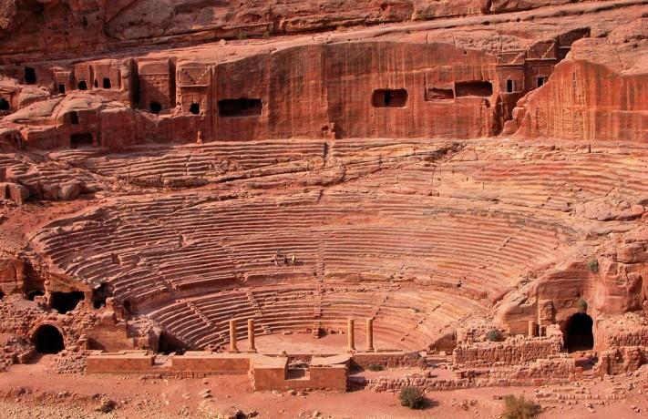 jordan-18a-094-theatre-view-large_171318_l